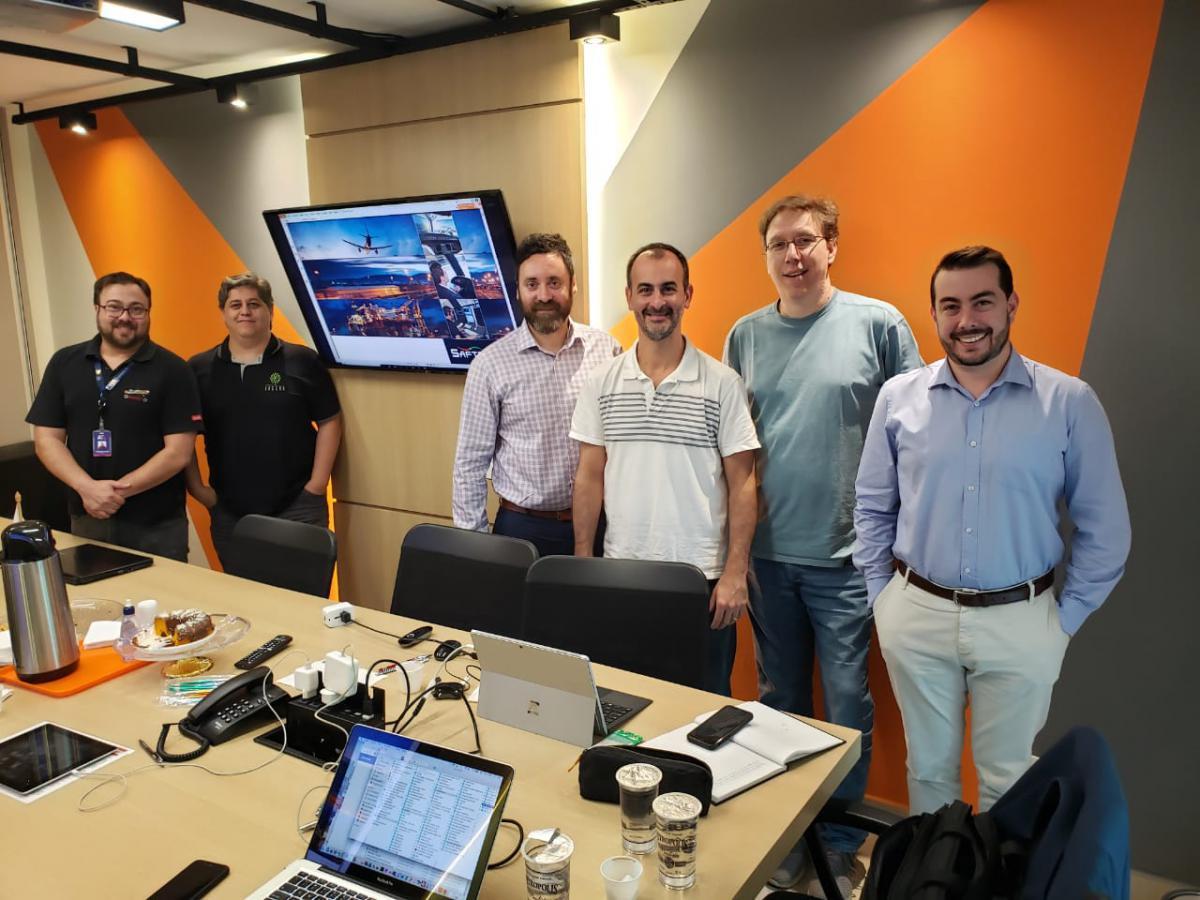 reunião da equipe do fadigômetro com o representante do safte-fast.
